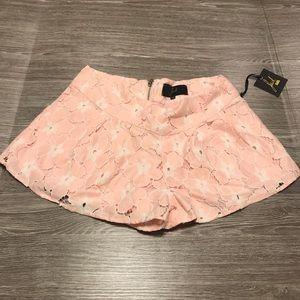 NWT BB Dakota Pink Flower Shorts